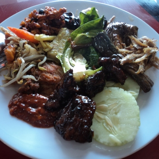 Buffet plate with a little bit of everything: meat & veg, steamed, fried and sweet & sour